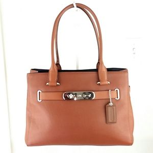 LIKE NEW! Coach Swagger Carryall Leather S…
